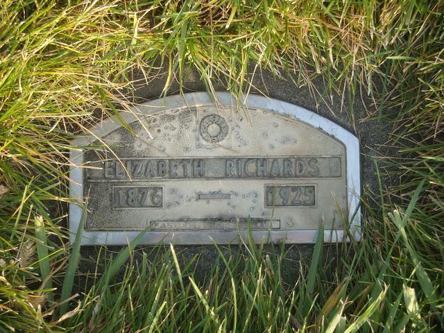 hodgeselizabeth_tombstone